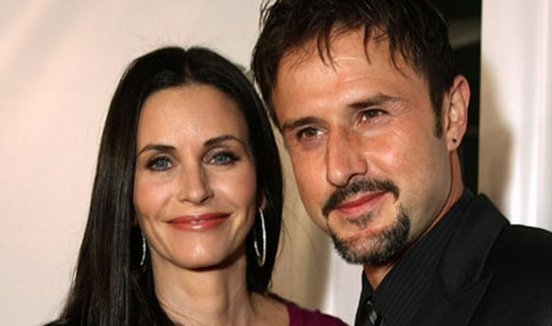David Arquette Follows Courteney Coxs Engagement With His Own